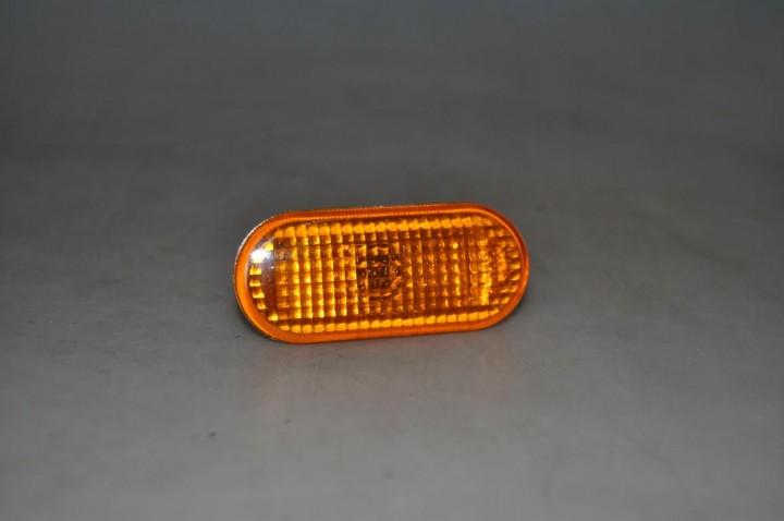 Seitenblinker im Orange für VW Golf 4, Bora, Passat 3B / 3BG, T5
