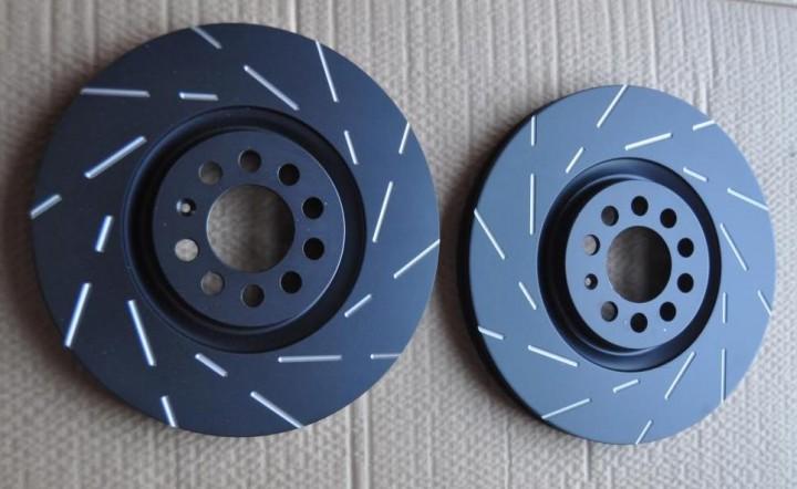 USR931 Black Dash-Disc 256x22mm / Höhe: 37mm / Lochzahl: 5 / belüftet / verbaut: hinten